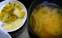 おみそ汁と漬物